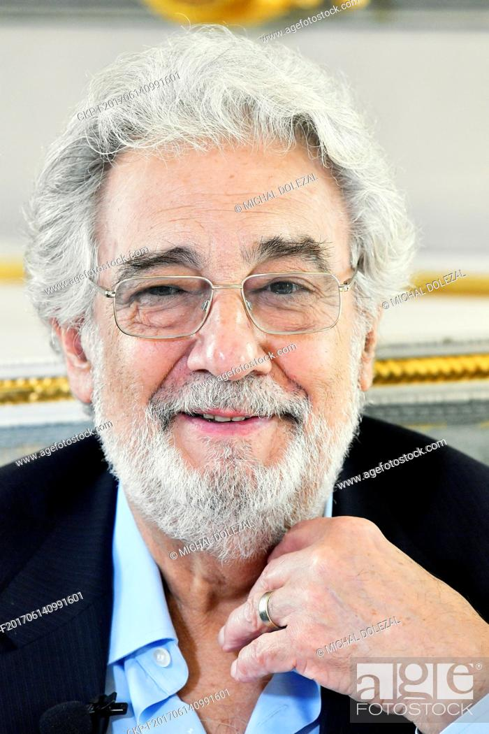 Imagen: Placido Domingo speaks with journalists during the press conference in The Estates Theater / Stavovske divadlo in Prague, Czech Republic, June 13, 2017.
