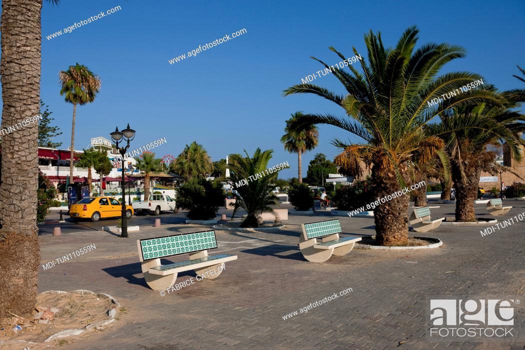 Imagen: Tunisia - Hammamet - The town from the promenade along the beach.