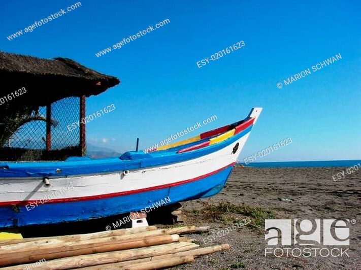 Stock Photo: Fischerboot am Strand.