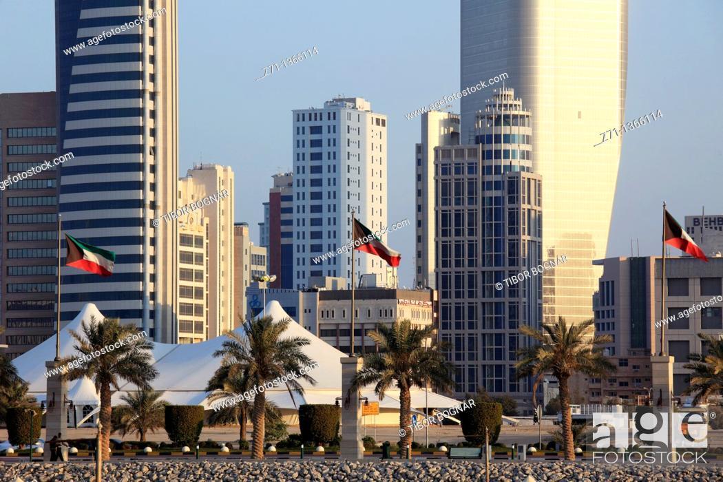 Stock Photo: Kuwait, Kuwait City, Arabian Gulf Street,.