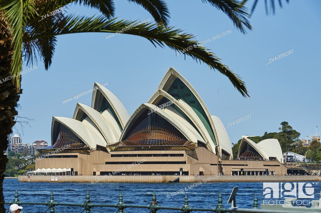 Stock Photo: Landscape of the Sydney Opera House in spring, Sydney, New South Wales, Australia, Oceania.