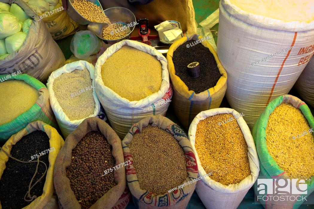 Stock Photo: Grano, spices, rice, Market Karnataka, India, Asia.