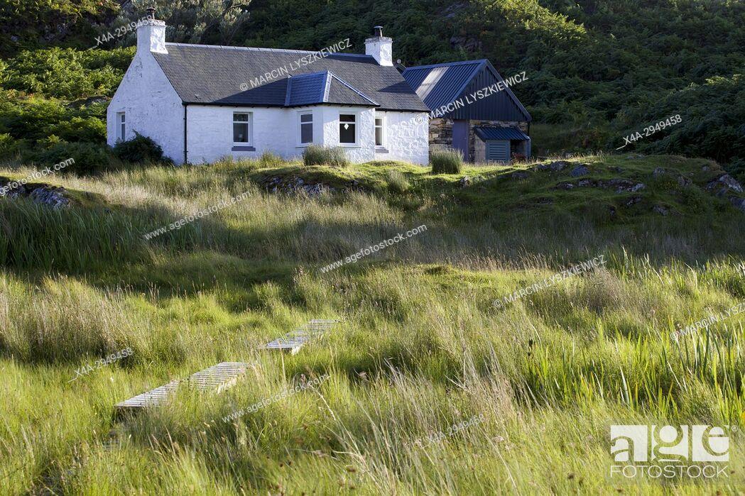 Stock Photo: White House on Scottish Coast.