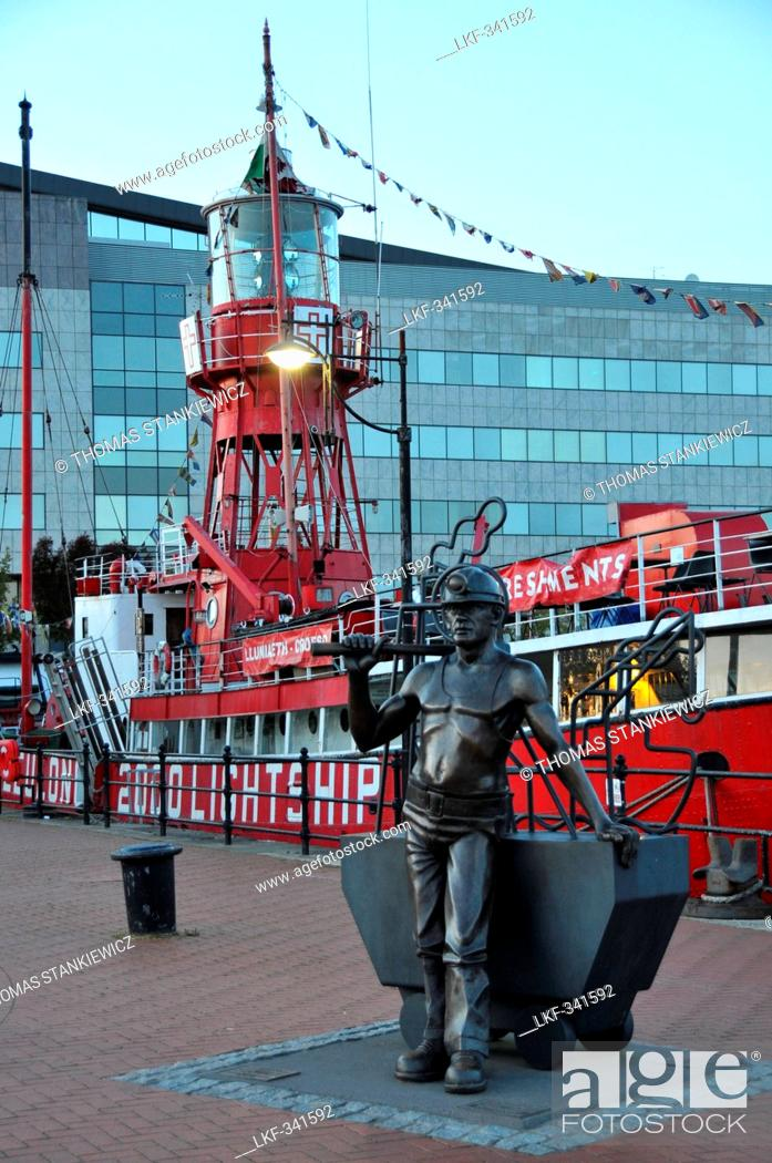 Stock Photo: Sculpture at the lightship in Cardiff Bay, south-Wales, Wales, Great Britain.