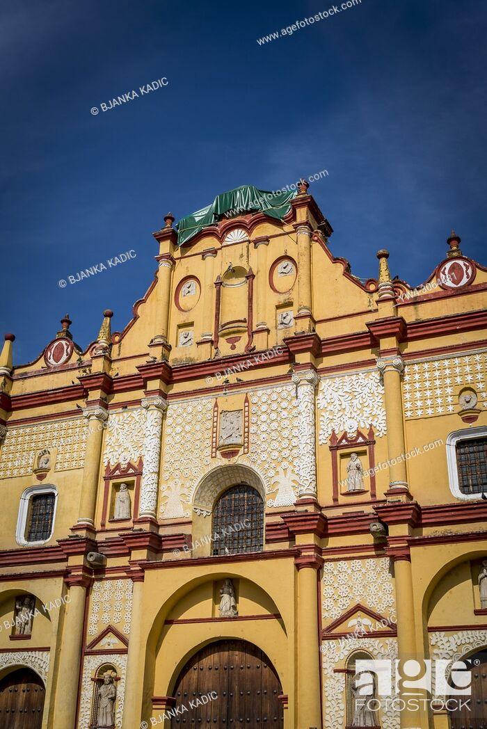 Photo de stock: Cathedral, Roman Catholic Diocese of San Cristobal de Las Casas, San Cristobal de las Casas, Chiapas, Mexico.