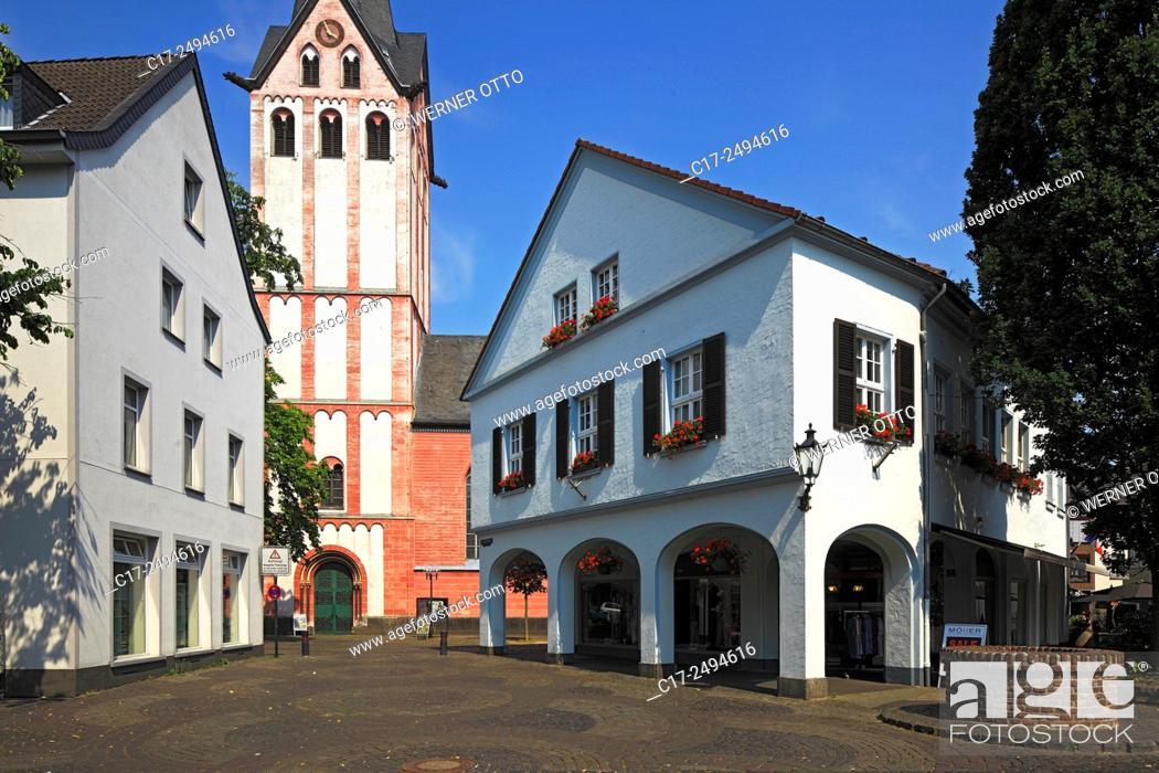 Stock Photo: Germany, Kempen, Niers, Lower Rhine, Rhineland, North Rhine-Westphalia, NRW, provost church Saint Mariae Geburt, catholic parish church, business house, arcades.