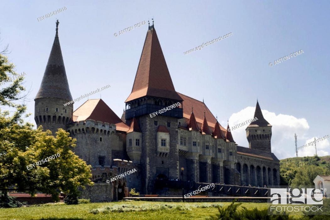 Stock Photo: The medieval castle from Hunedoara(Transylvania).