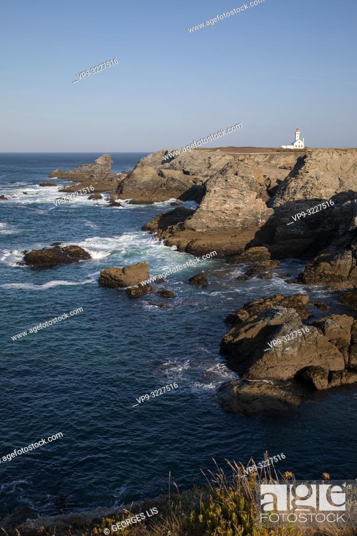 Stock Photo: rocky coast and lighthouse, Les Poulains, Pointe des Poulains, Belle Ile island, Atlantic Ocean, Morbihan, Bretagne, France.