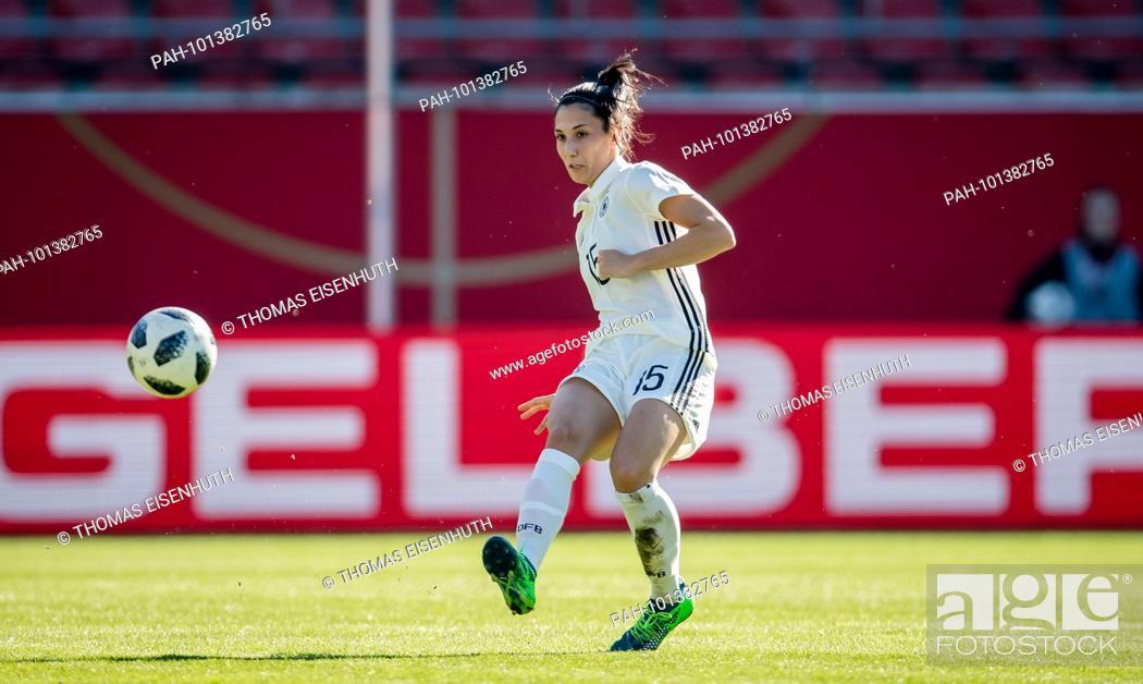 Sara Doorsoun Germany Am Ball Ges Fussball Frauen