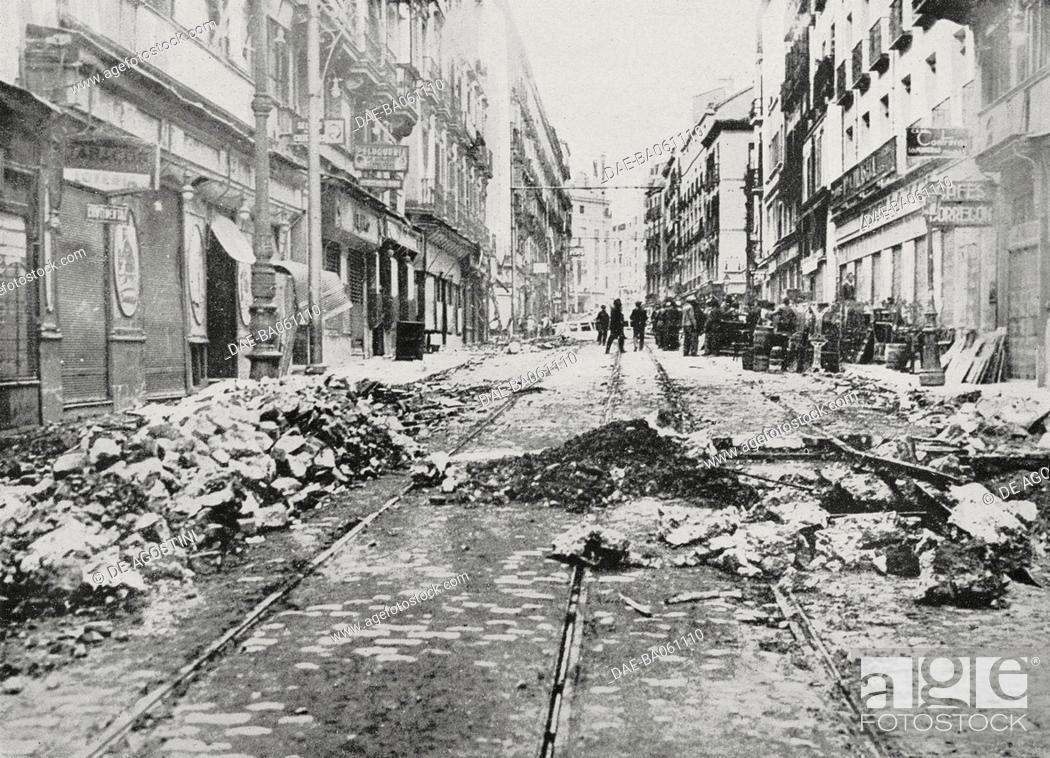 Stock Photo: Madrid after the bombings, Spanish Civil War, from L'Illustrazione Italiana, year LXIII, n 48, November 29, 1936. DeA / Veneranda Biblioteca Ambrosiana, Milan.