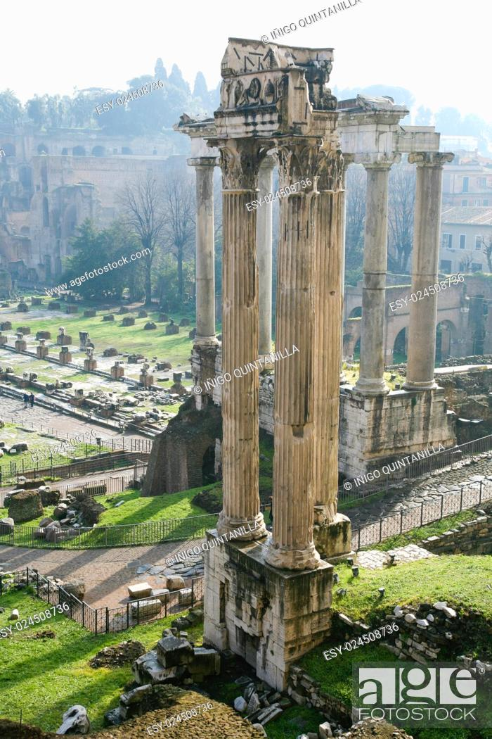 Imagen: landscape of ancient Roman Forum ruins, detail in Temple of Vespasian and Titus, in Rome, Italy, Europe.