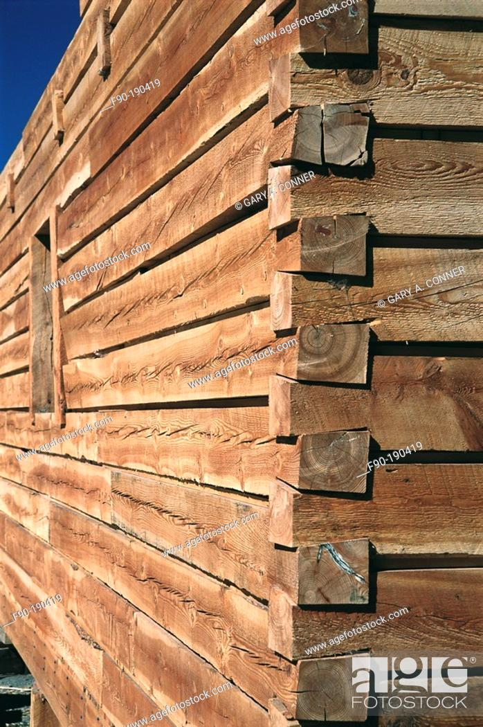 Stock Photo: Detail of wall joint of log home under construction. Colorado. USA.
