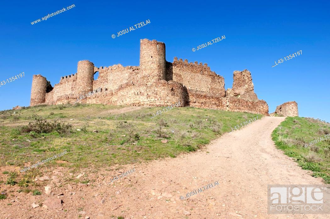 Stock Photo: Castle of Almonacid de Toledo, Toledo, Castile-La Mancha, Spain.