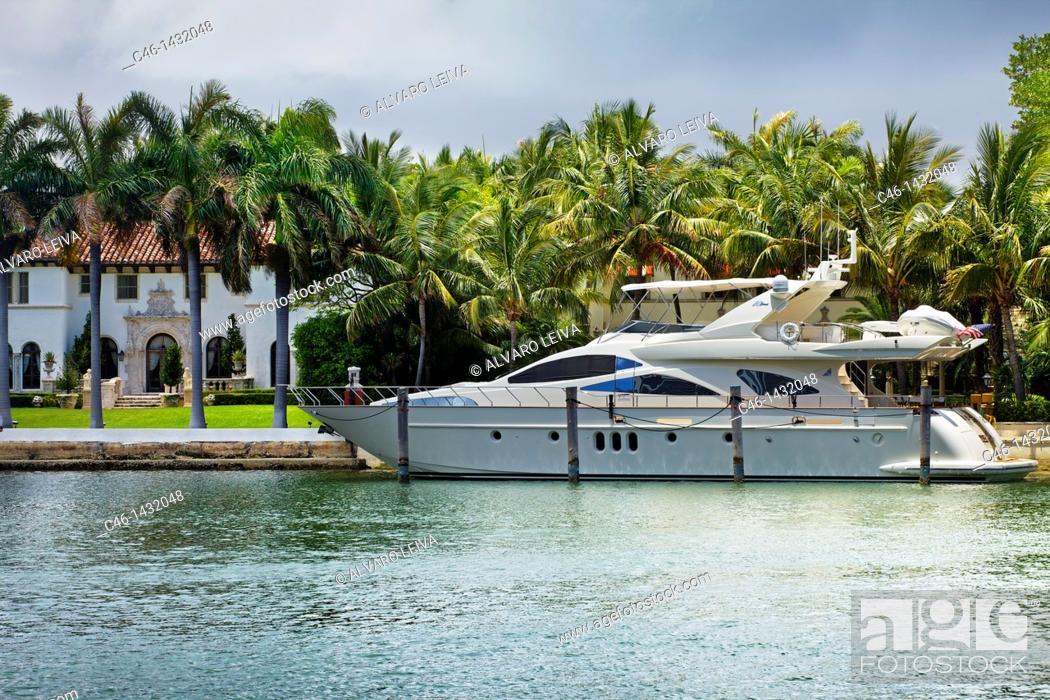 Stock Photo: Mansion, South Beach, Miami, Florida, USA.