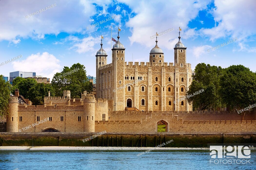 Imagen: Tower of London in England view from outside.