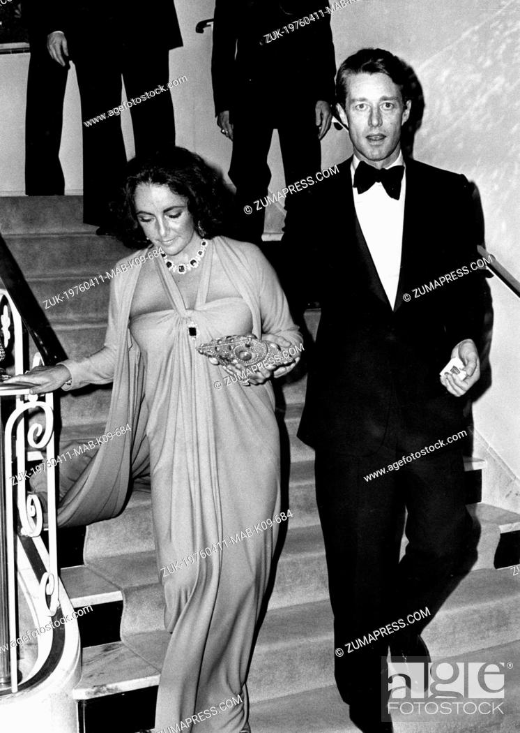 Apr 11 1976 New York Ny U S Actress Elizabeth Taylor And Fashion Designer Roy Halston At Stock Photo Picture And Rights Managed Image Pic Zuk 19760411 Mab K09 684 Agefotostock