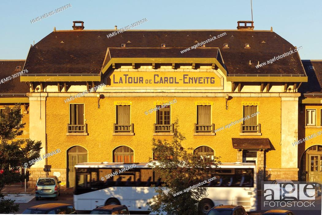 Stock Photo: France, Pyrenees Orientales, Natural regional park Catalan Pyrenees, Tet Valley, Le Train Jaune, station of Latour de Carol at sunrise.