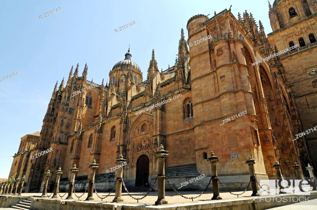 Stock Photo: new Cathedral, Salamanca, Castile-Leon, Spain, Europe, neue Kathedrale, Salamanca, Castilla y Leon, Kastilien-Leon, Spanien, Europa.