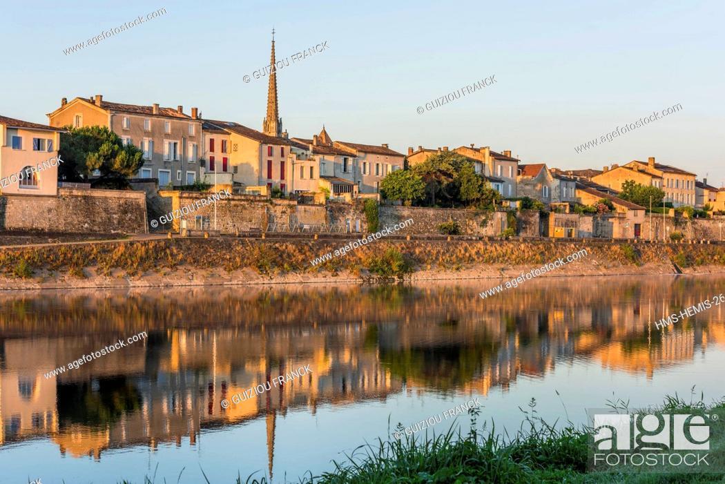 France Gironde Sainte Foy La Grande The Banks Of Dordogne