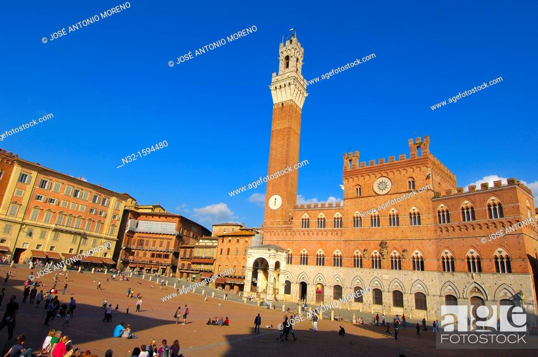 Stock Photo: Piazza del Campo and Torre del Mangia, Siena, UNESCO World Heritage Site, Tuscany, Italy, Europe.