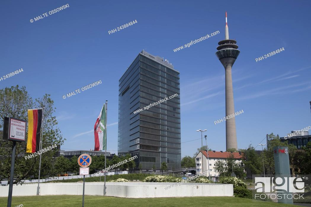 Photo de stock: The city gate and the television tower Duesseldorf, panorama, architecture, skyline, feature, symbol photo, border motif.