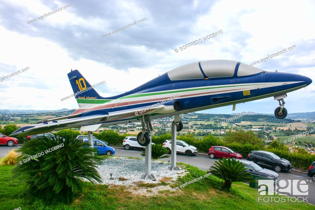 Stock Photo: plane used by the Italian acrobatic team many years ago in free exposure. .