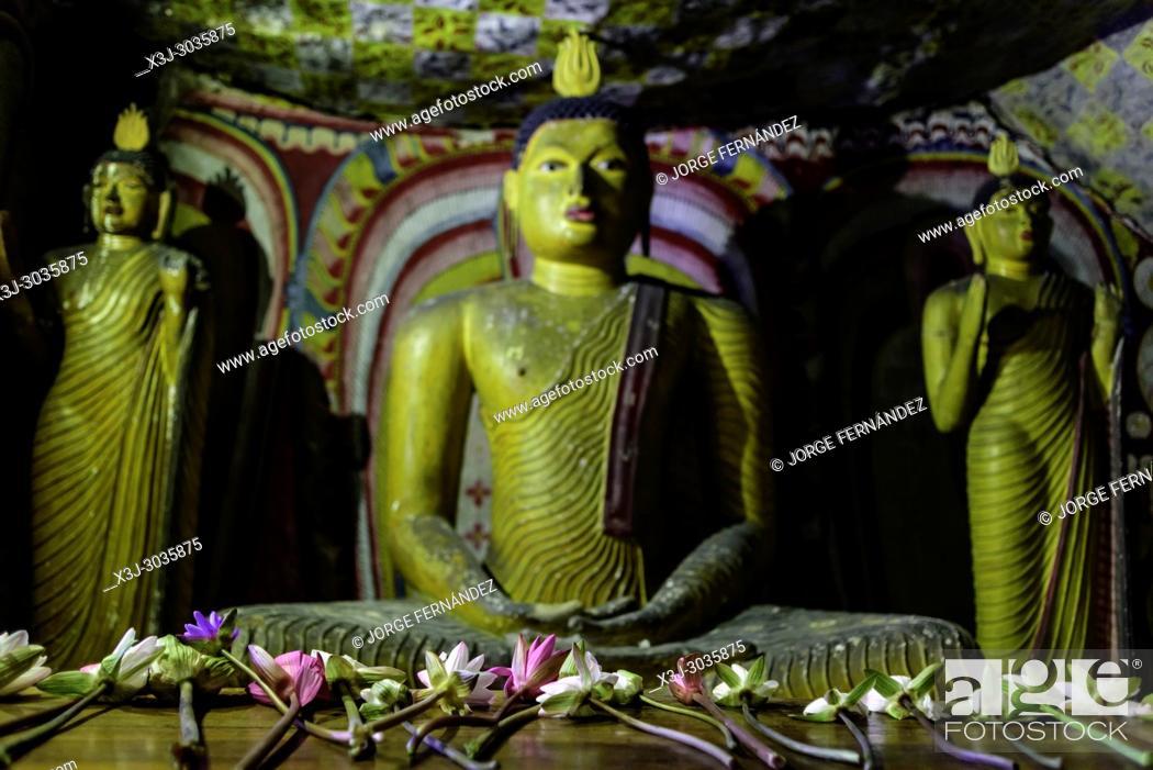 Stock Photo: Statues of Budha at Dambulla caves temple. Sri Lanka.