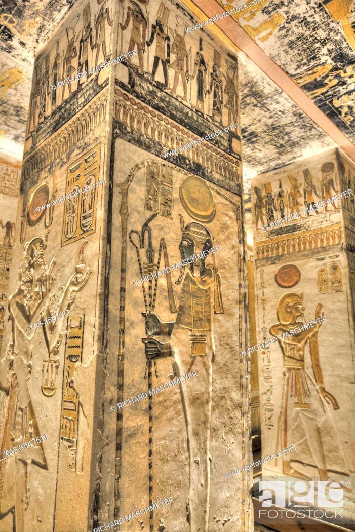 Photo de stock: Reliefs on Square Pillar, Tomb of Ramses V & VI, KV9, Valley of the Kings, UNESCO World Heritage Site, Luxor, Egypt.