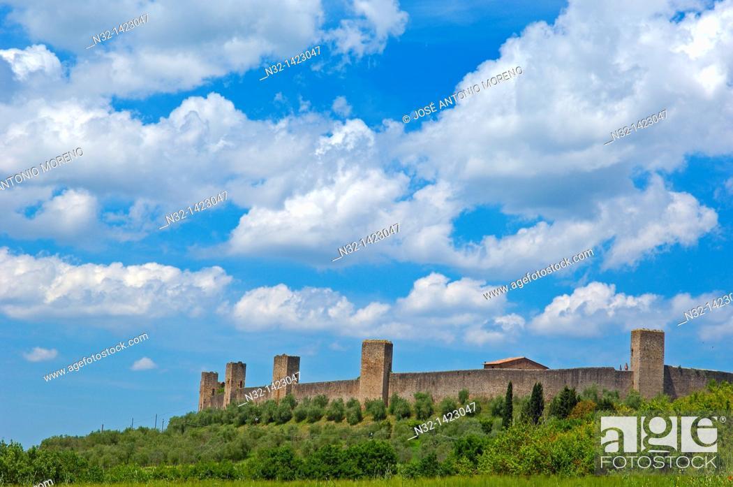 Stock Photo: Monteriggioni, Siena Province, Tuscany, Italy.