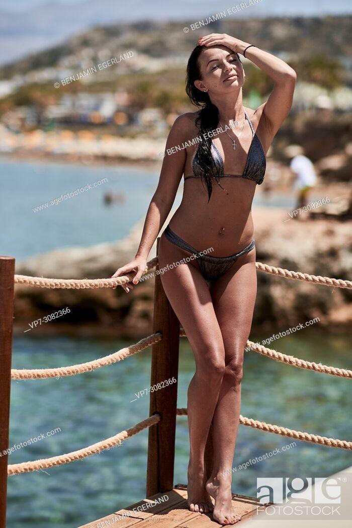Photo de stock: Greece, Crete, Hersonissos, summer woman at seaside.