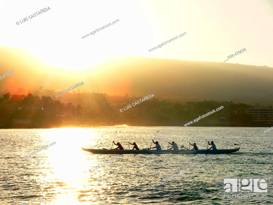 Stock Photo: Rowing at Kailua Bay. Kailua-Kona. Hawaii. USA.