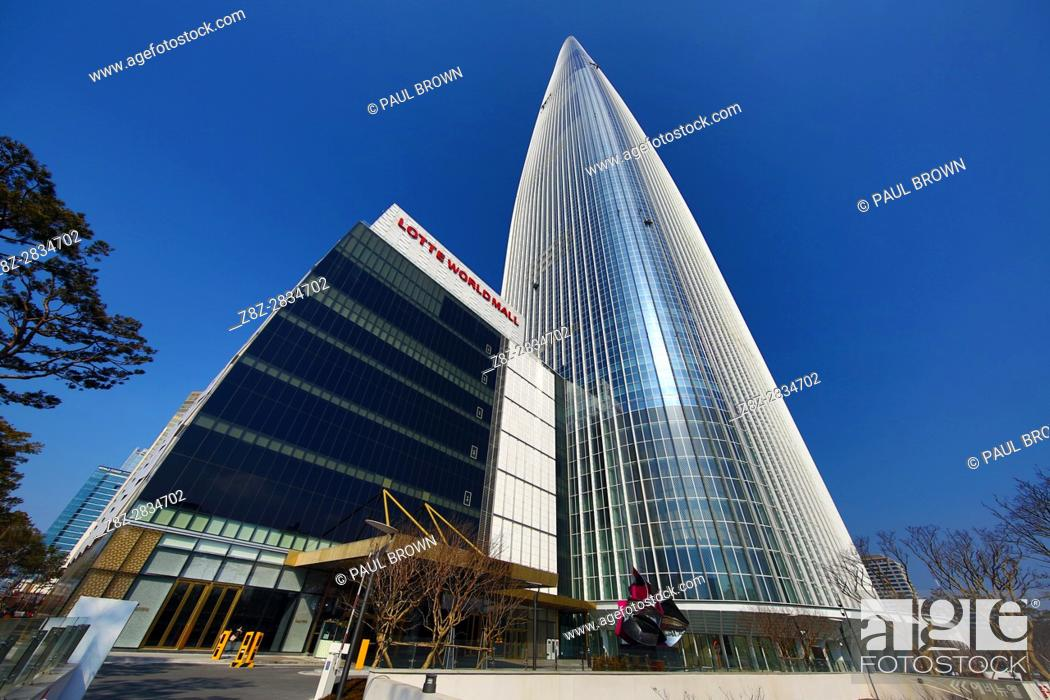 Stock Photo: Lotte World Tower skyscraper and Mall in Jamsil, Seoul, Korea.