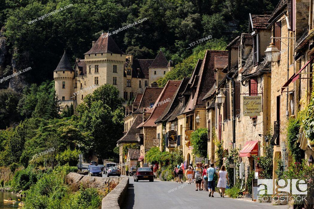 Stock Photo: La Roque-Gageac, Dordogne, Aquitaine, France. The main street and the 19th century Château de la Malartrie.