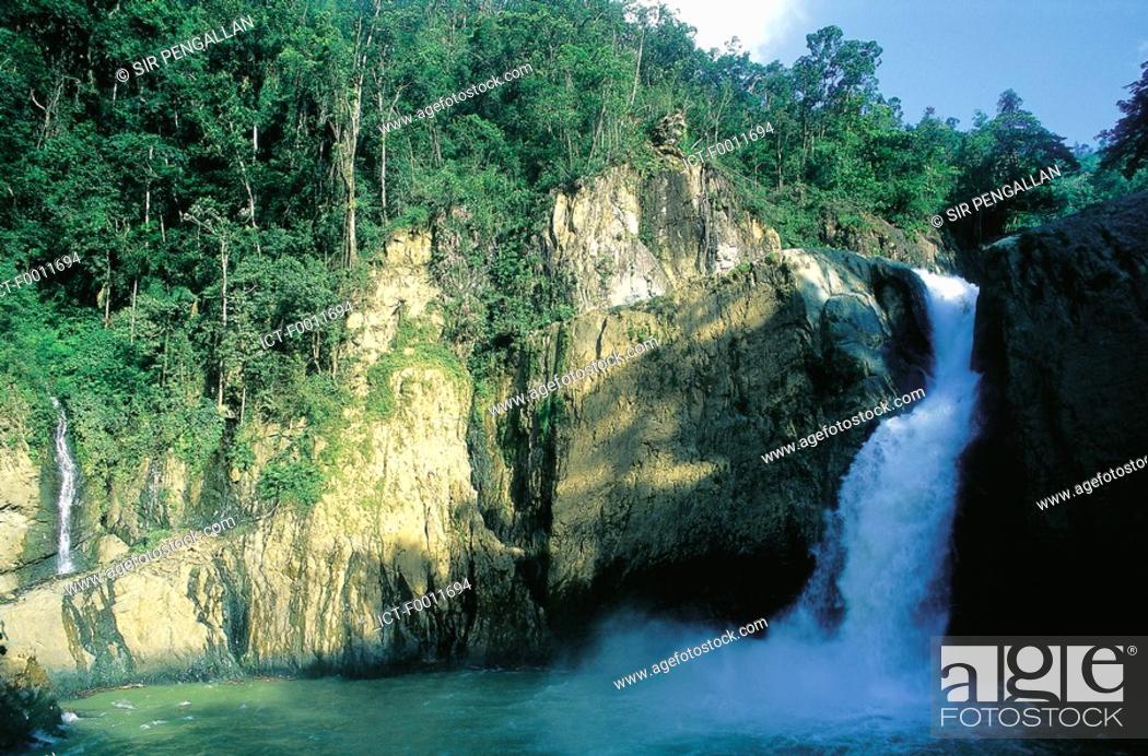 Stock Photo: Domenican Republic, El Salto de Bayagate waterfall.