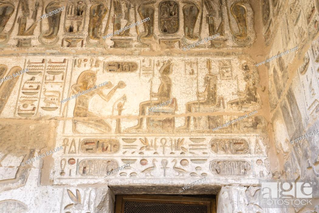 Imagen: Painted relief image on the wall of Medinat Habu temple, Luxor, Egypt.