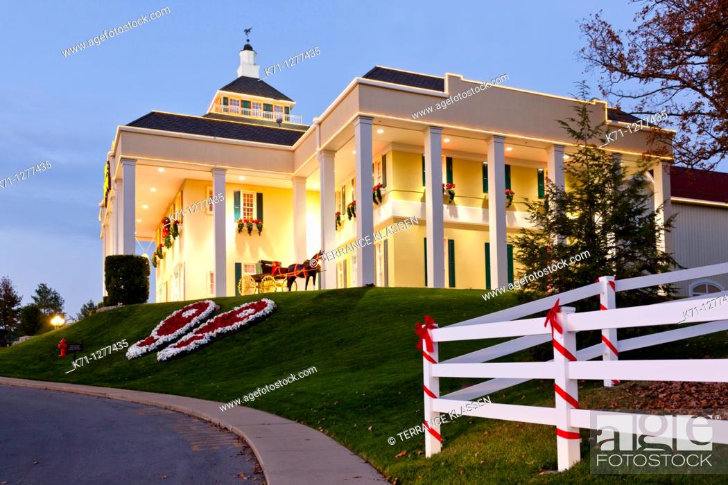 Stock Photo: The Dixie Stampede theater in Branson, Missouri, USA.