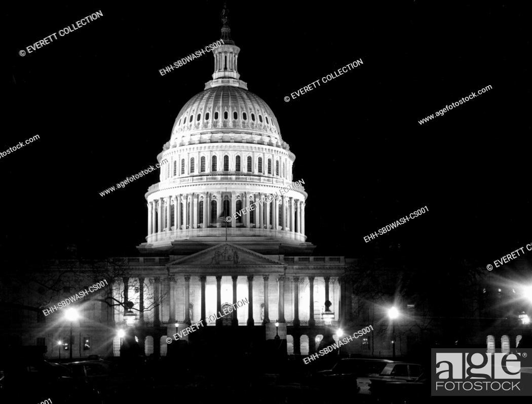 Stock Photo: WASHINGTON, D.C., U.S. Capitol Building, 12-19-1963. Courtesy: CSU Archives / Everett Collection.