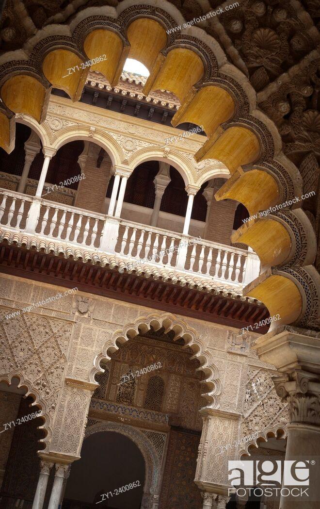 Stock Photo: Alcazar of Seville: cloister of The Courtyard of the Maidens (Patio de las Doncellas).