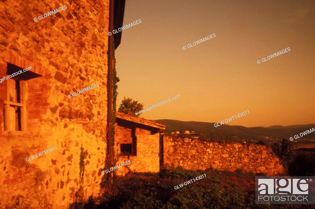 Stock Photo: Building on a hill, Italy.
