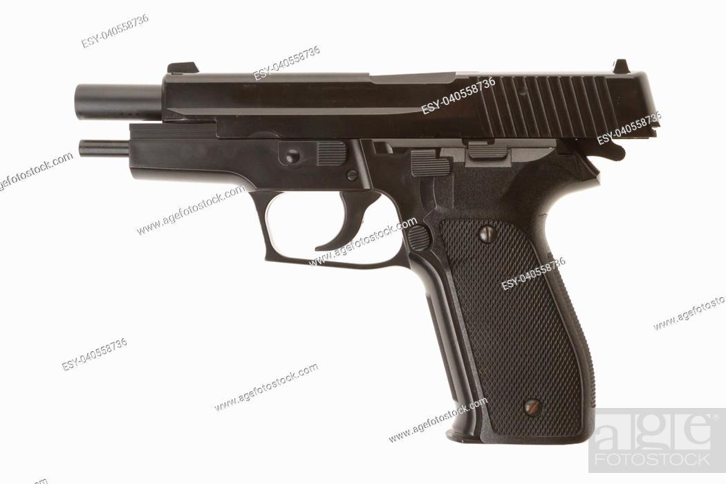 Imagen: Empty semi-automatic gun isolated on white background.