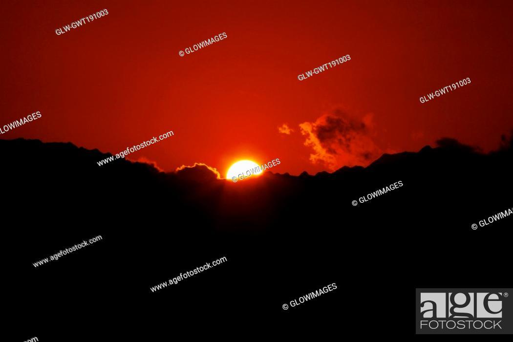 Stock Photo: Sunset over a mountain, Nawiliwili Beach Park, Kauai, Hawaii Islands, USA.