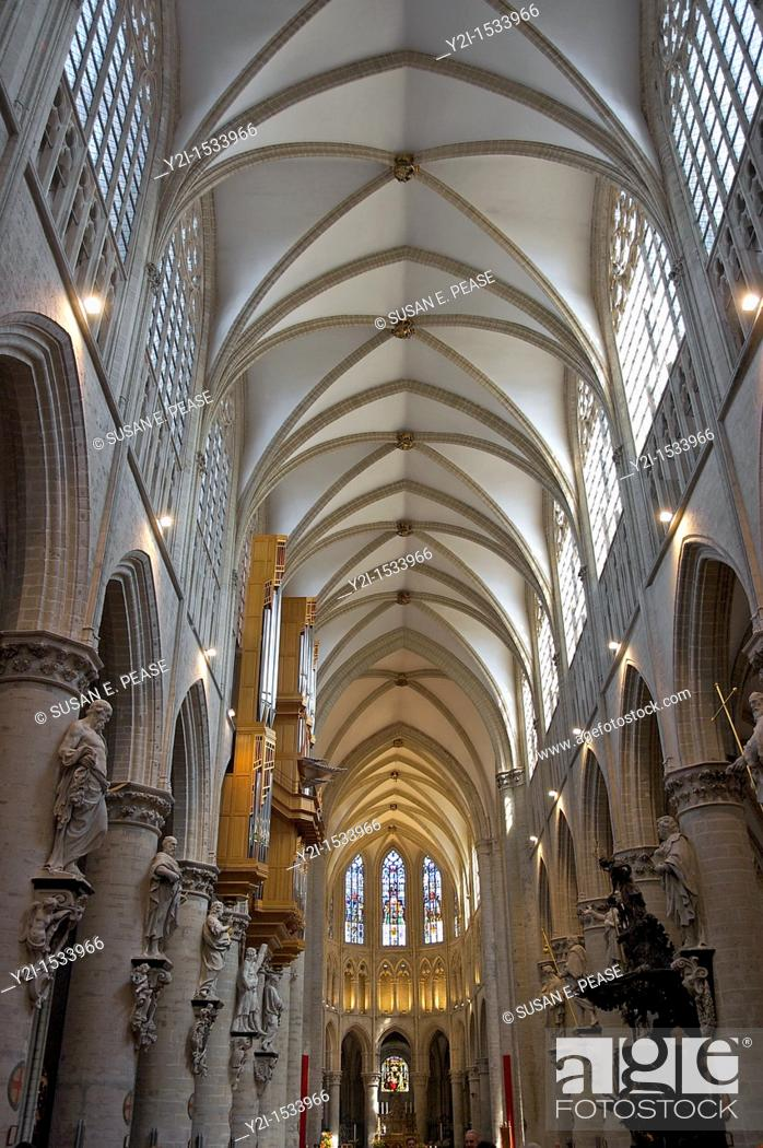 Photo de stock: Inside St Michael and St Gudula Cathedral in Brussels, Belgiun.