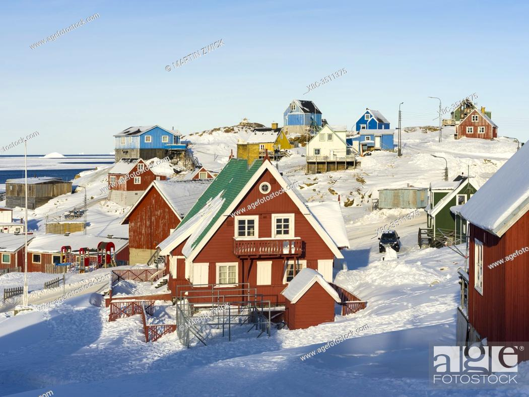 Stock Photo: Winter in the town of Upernavik in the north of Greenland at the shore of Baffin Bay. America , Denmark, Greenland.