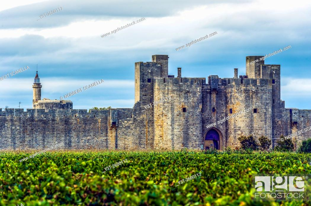 Stock Photo: Europe, France, Gard. Aigues-Mortes. Cty wall of Aigues-Mortes.