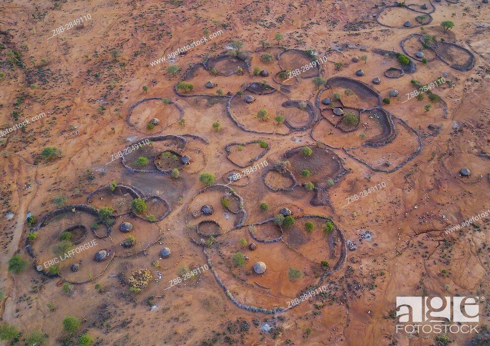 Stock Photo: Aerial view of a Hamer tribe, Omo Valley, Turmi, Ethiopia.