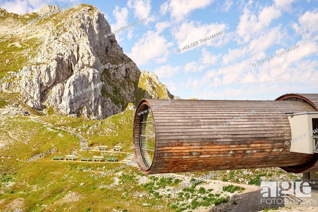 Stock Photo: Alpen, Karwendelbahn, Bergstation.