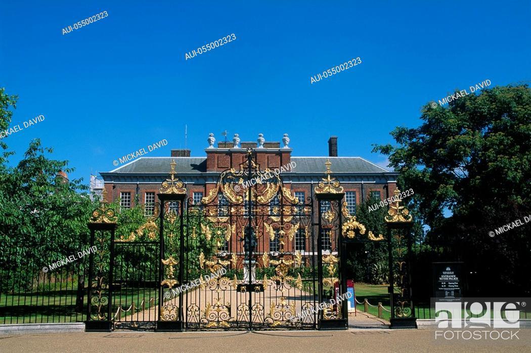 Stock Photo: England - London - Kensington district - Kensington Palace.