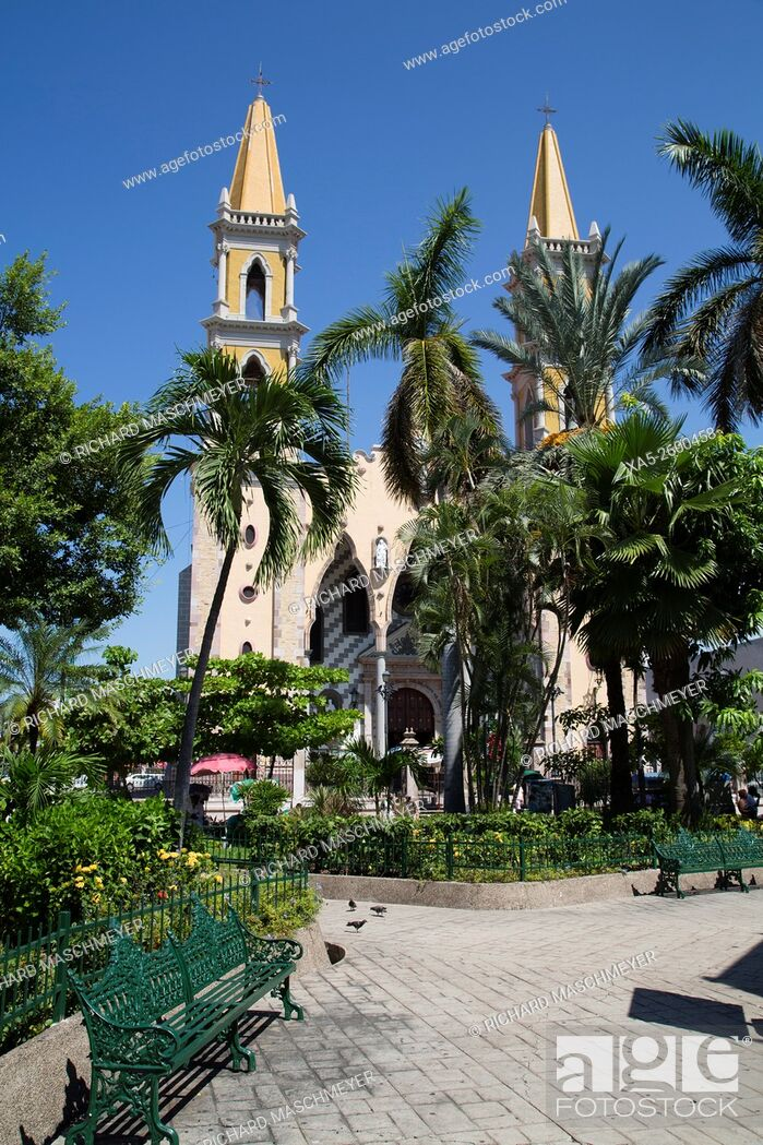 Imagen: La Iglesia de Jesucristo de los Santos de los Ultimos Dias, Mazatlan, Sinaloa State, Mexico.