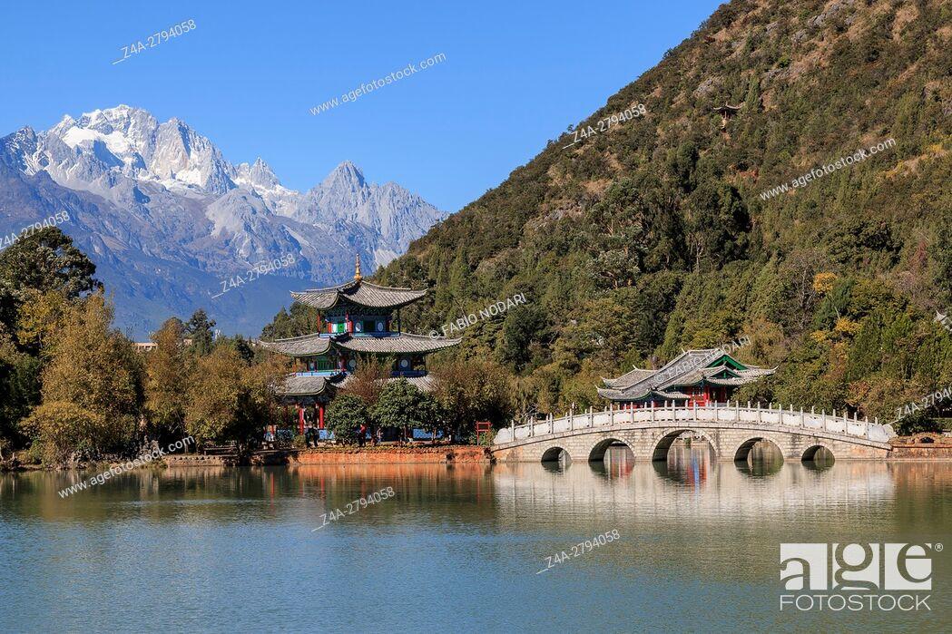 Stock Photo: Beautiful view of the Black Dragon Pool and Jade Dragon Snow Mountain in Lijiang, Yunnan - China.