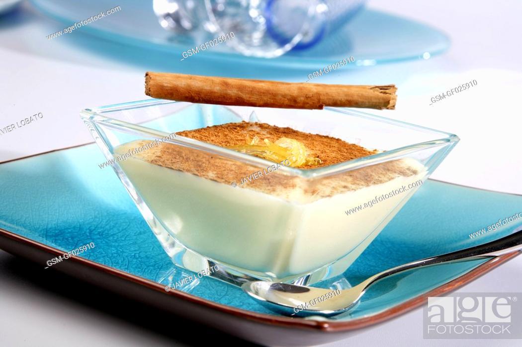 Imagen: Custard cream with cinnamon.
